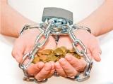 На кредитной игле: как и почему россияне загоняют себя в долговые ямы